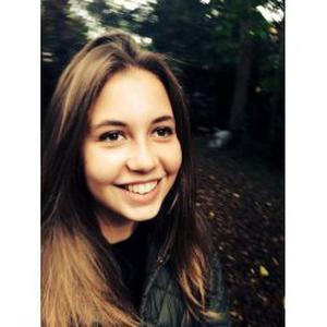 Valentine, 17 ans, gardienne d'enfants à Paris