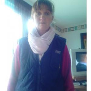 Corinne, 50 ans propose de l'aide aux tâches ménagères