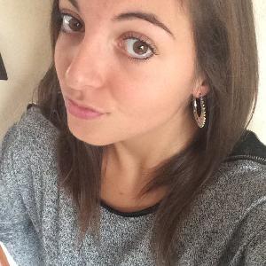 Christina, 24 ans propose de garder vos enfants