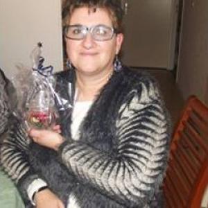 Karine, 49 ans, ménagère