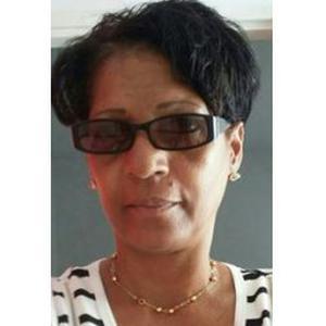 Marie-Chantal, 54 ans cherche un emploi auprès de personnes âgées