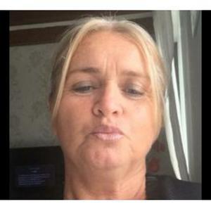 Rose, 56 ans cherche des heures de ménage