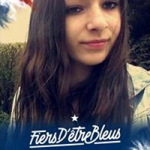Angelina, 16 ans, promeneuse de chiens