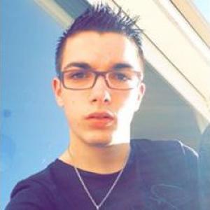 Lylian, 17 ans aide en ménage pour personne âgée