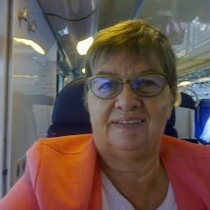 Yvette, 67 ans,adore cuisiner et s occuper de personnes agées,jour nuit!!meme dimanche
