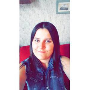 Justine, 21 ans disponible pour garder des enfants