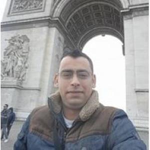 Ahmed , 34 ans cherche un poste d'auxiliaire de vie