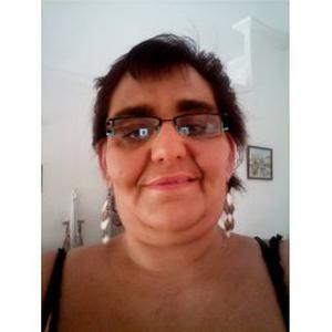 Catherine, 45 ans cherche un emploi d'auxiliaire de vie