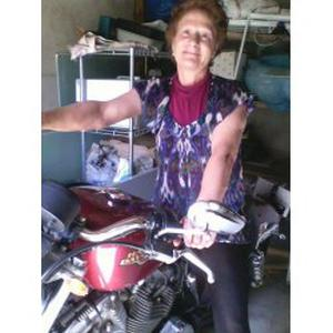 Ode, 64 ans aide à la personne