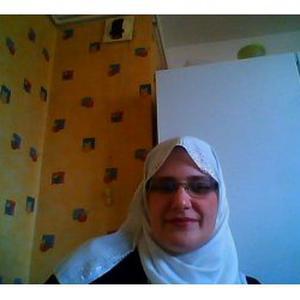 Hakima, 35 ans donne des cours d'arabe