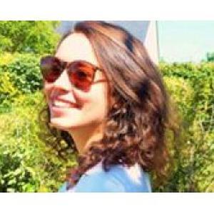 Camille, 17 ans baby-sitter à Angers (18 ans le 20 septembre 2016)