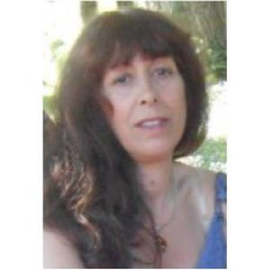 Jacqueline, propose aide aux personnes âgées