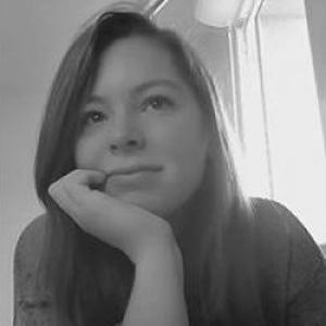 Mathilde, 18 ans propose de l'aide aux devoirs
