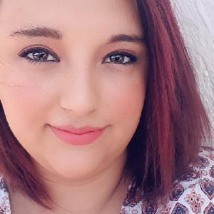 Sandra-Lee, 23 ans propose d'aider en ménage