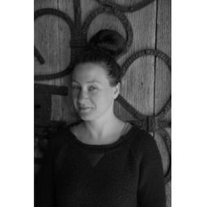 Docteur en Histoire de l'Art et formatrice de français pour adultes donne cours de français du primaire au collège, adultes - Secteur Ussel ou autres par Skype