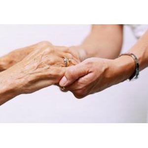 CHARLOTTE, 28 ans, propose aide aux personnes âgées