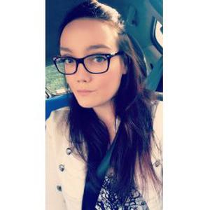 Sabrina, 24 ans cherche un emploi en tant que nounou
