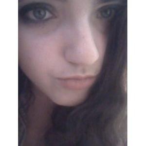 Bonjour Je m'appelle Emmanuelle Trifon, j'ai 21ans et j'habite à Bagnolet.Je recherche un emploi en Photographie.