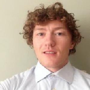 Jeune Irlandais qui offre des cours particuliers d'anglais
