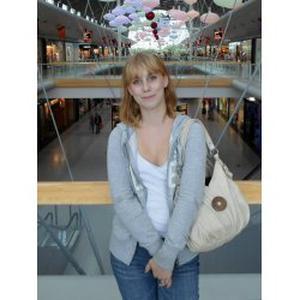 Julie, 20 ans, en recherche d'emploi !