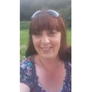 Lydie, 46 ans, propose aide aux personnes âgées