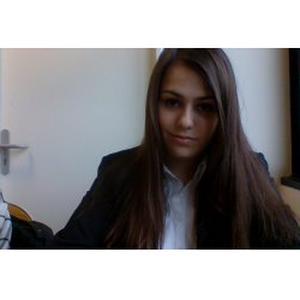 Sarah, 20 ans, propose des cours de français et de littérature