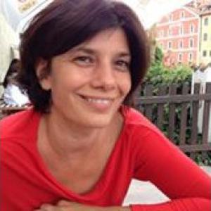 Szilvia, 45 ans, propose des cours d'anglais