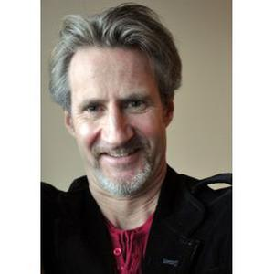 Ex-journaliste donne cours d'anglais, écrit et compréhension orale avec support audiovisuel, tous niveaux