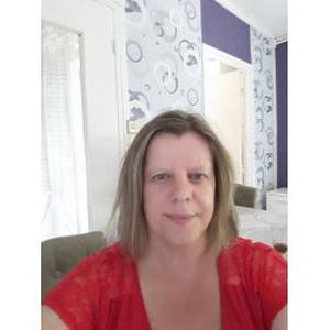 Carole, 44 ans aide ménagère
