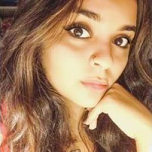 Loujaïna, 18 ans donne des cours d'arabe