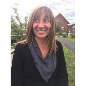 Karine, 47 ans cherche un emploi auprès de personne âgée
