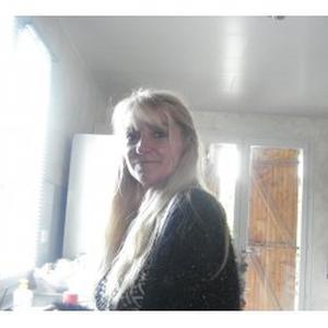 Isabelle, 46 ans, propose ses services pour du repassage et ou du ménage