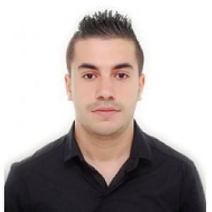 Adel, 25 ans donne des cours d'arabe