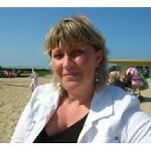 Valérie, 46 ans, propose ménage