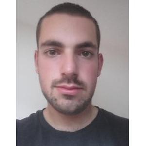 Nicolas, 22 ans, propose ses services de Jardinier Paysagiste.