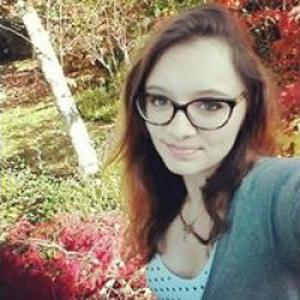 Samantha, 18 ans, propose aide aux personnes âgées