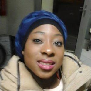 Sira, 24 ans, propose du gardiennage