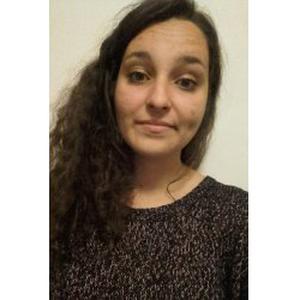Noémie, 18 ans, propose baby sitting