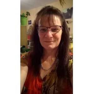 Nadine, 54 ans cherche un emploi d'assistante de vie