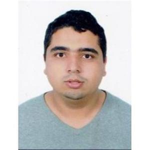 Abderezzek, 23 ans, propose des cours de maths
