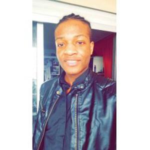 Mani Mbassgue, 18 ans, propose du baby sitting