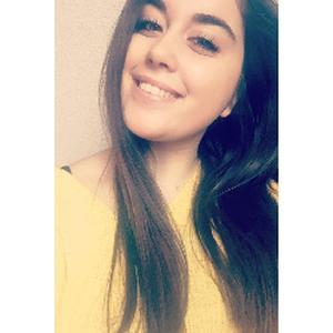 Léa, 18 ans recherche un emploi