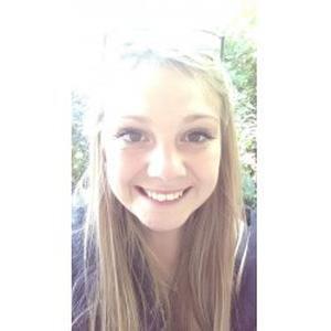 Lily, 18 ans, propose promenade et garde d'animaux
