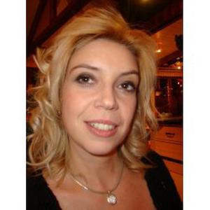 Marie, 41 ans propose tout service de coiffure à domicile dans le 42 et 69.