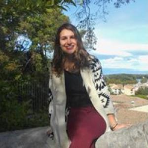 Mathilde, 18 ans, propose garde d'enfants