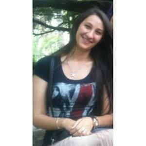 Dounia, 24 ans donne des cours d'arabe