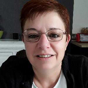 Florence, 49 ans, propose des heures de ménage chez des particuliers