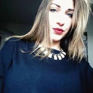 Charlotte, 17 ans donne des cours de danse moderne