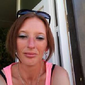 Stéphanie, 36 ans recherche heures de ménage et repassage
