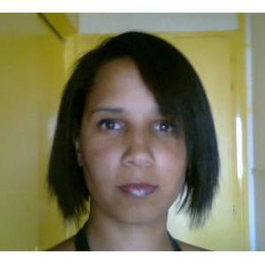Jessica, 35 ans propose d'aider aux tâches de ménage